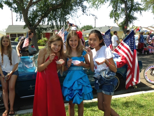 Now those are some beautiful Independence Day Dresses